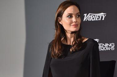 Анджелина Джоли открыла центр по борьбе с сексуальным насилием