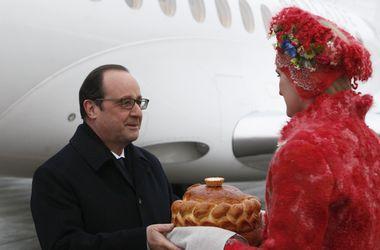 Порошенко, Меркель и Олланд уже в Минске