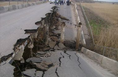 В Одесской области из-за обвала закрыли мост через Днестр