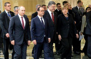 """Переговоры лидеров """"нормандской четверки"""" продолжаются четвертый час"""