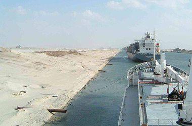 Из-за обрушившейся на Египет песчаной бури закрыт Суэцкий канал