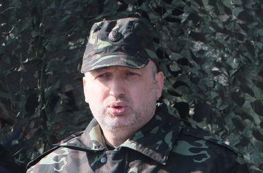 Турчинов: Залогом мира на Донбассе может быть только сильная армия