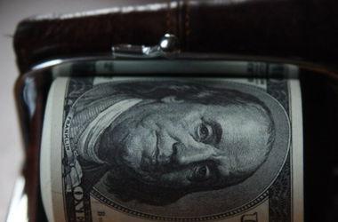 Доллар в обменниках стал дороже 26 гривен