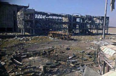 Боевики пытаются вытеснить украинские подразделения в районе Донецкого аэропорта – Лысенко