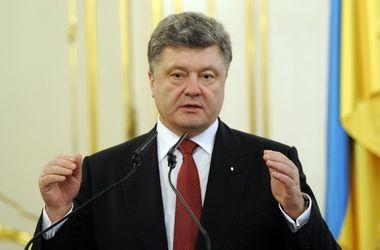 Если не будет установлен мир, то будет введено военное положение по всей Украине – Порошенко