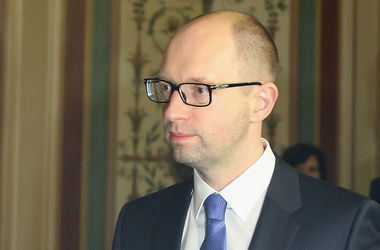 За 4 года Украина получит 25 млрд долларов кредита – Яценюк