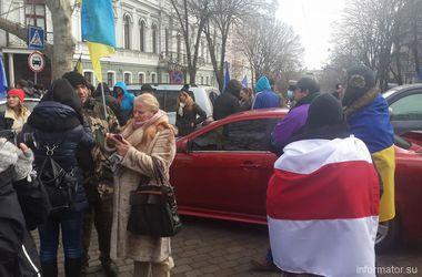 Одесские активисты надеются, что лидера Автомайдана отпустят под залог и готовят коктейли Молотова