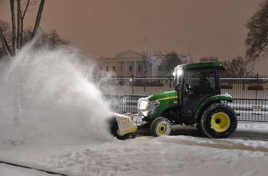В нескольких штатах США введен режим ЧС из-за снежной бури