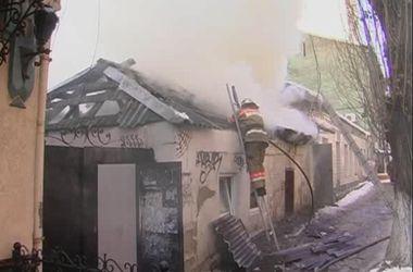 Как горел дом возле цирка в Киеве