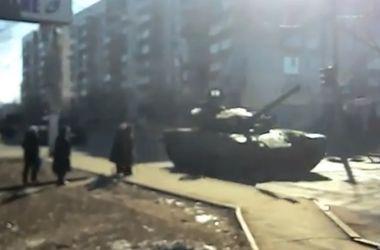 В Макеевке заметили колонну танков - очевидцы