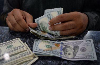 Рост курса доллара в кассах банков замедлился