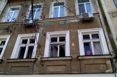 Теракт в Одессе: люди гадают, кто взорвал фирму лидера Автомайдана и боятся обрушения дома