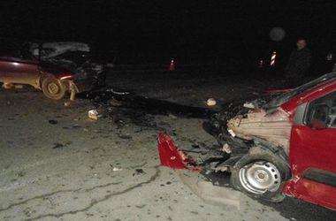 """В жутком ДТП на трассе """"Киев-Чоп"""" погибли двое людей, еще трое ранены"""