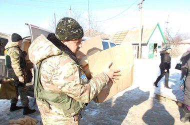 Жителям Красногоровки привезли гуманитарную помощь