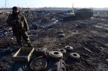За сутки боевики ранили 40 украинских военных