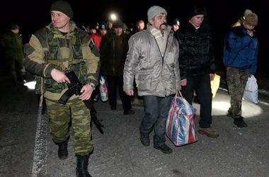 """Освобожденный из плена украинский боец: """"Мама, меня уже обменяли. Я жив"""""""