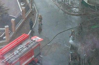 ЧП в Киеве: ртуть, разлитую возле жилого дома, убирали в скафандрах