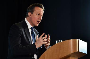 Кэмерон высказался за сохранение санкций против России