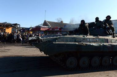 Российские войска стягиваются под Новоазовск - Шкиряк