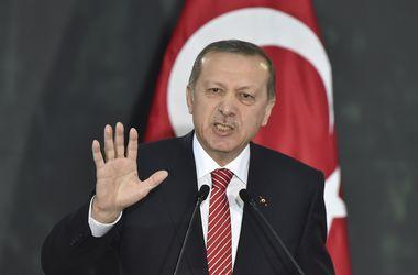 """Бывшей """"Мисс Турция"""" грозит тюрьма за оскорбление президента"""