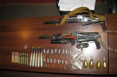 В Черкассах на блокпосту задержали автомобиль с арсеналом оружия
