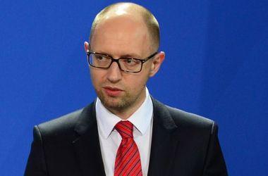 Уволив Гонтареву, курс доллара не станет 15 грн, но это вопрос доверия - Яценюк