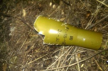 В Артемовске двое детей подорвались на мине, один из подростков погиб
