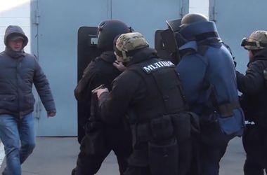 Под Киевом преступники в форме милиционеров нападали на людей