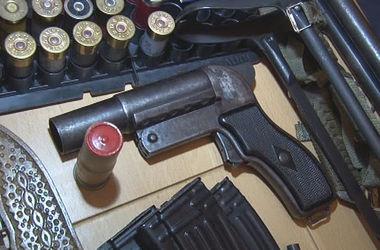 Под Одессой нашли арсенал оружия с пистолетом, замаскированным под шариковую ручку