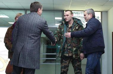 В Днепропетровск привезли бойцов, которых лечили в ЕС