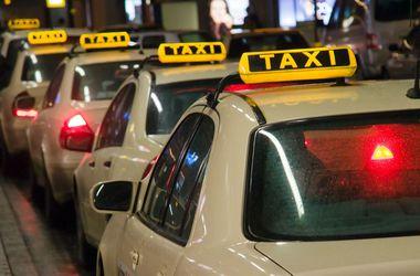 Жители Днепропетровска забывают в такси кошельки, бороды, кроликов и детей
