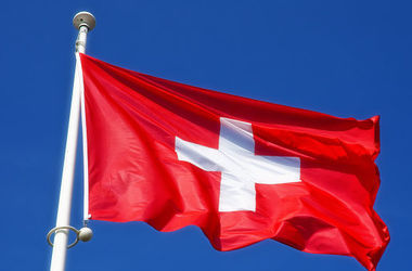 Швейцария продлила и расширила санкции против России