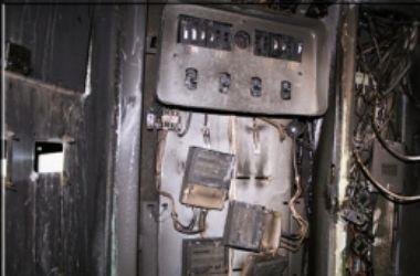 В Киеве загорелся подвал жилого дома