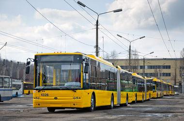 По Киеву начали ездить новые троллейбусы