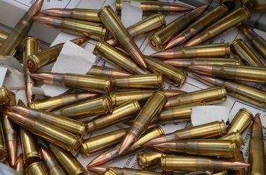 На блокпосту в Луганской области у мужчины изъяли 927 патронов