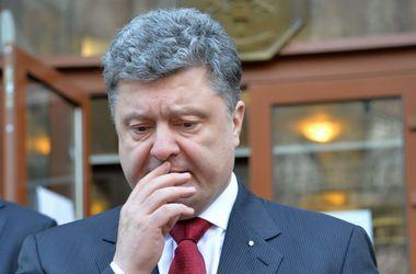 Боевики брутально используют украинских заложников в унизительных работах – Порошенко