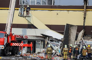 Число жертв пожара в казанском торговом центре достигло восьми человек