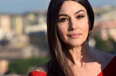 Моника Белуччи призналась, что после развода чувствует ...: http://www.segodnya.ua/culture/stars/monika-beluchchi-priznalas-chto-posle-razvoda-chuvstvuet-sebya-zhivoy-i-svobodnoy-599560.html