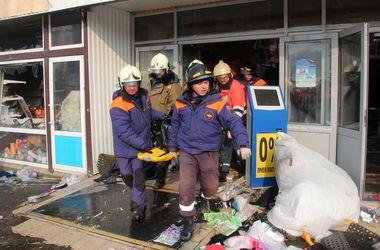 Родственникам начали выдавать тела жертв пожара в ТЦ Казани