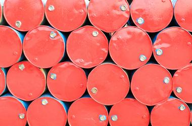 Цена эталонной нефти Brent упала ниже $55