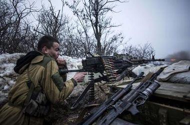 Боевики обстреливают украинских военных из артиллерии