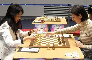 Украинки Анна Ушенина и Анна Музычук стартовали с побед на чемпионате мира по шахматам