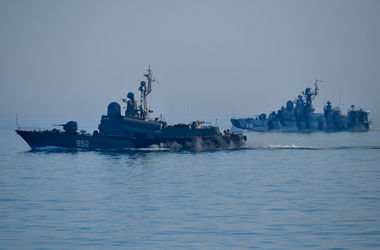 Россия вывела в Черное море ракетные корабли и катера