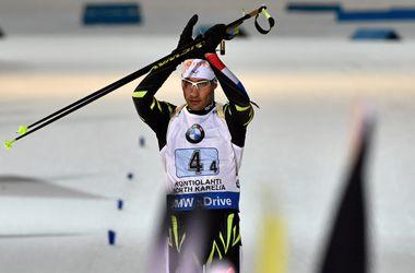 Мартен Фуркад выиграл спринт на последнем этапе Кубка мира по биатлону