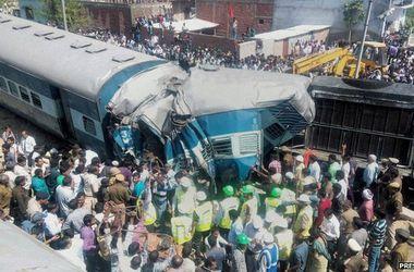 Число жертв ж/д катастрофы в Индии увеличилось до 30 человек