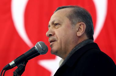 Яценюк встретился с президентом Турции