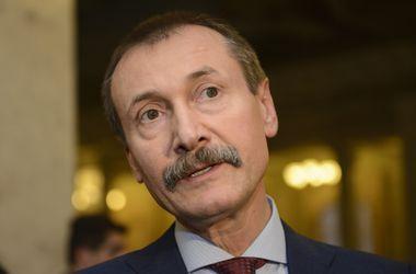 """Папиев призвал провластных депутатов поддержать """"мирные законопроекты"""" оппозиции"""