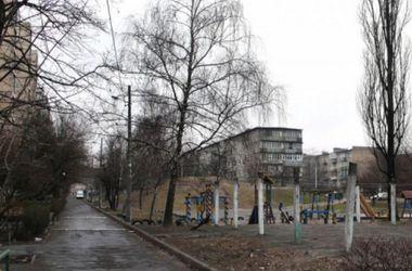 Как изменятся киевские дворы: в них появятся зоны отдыха с шахматами и библиотеками