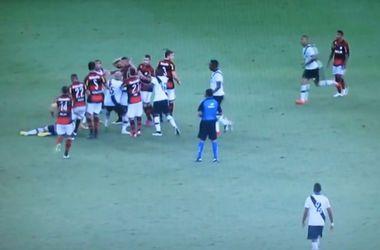 Драка и четыре удаления в матче чемпионата Рио