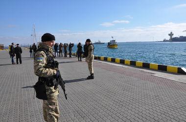 В Одесский порт отконвоировали турецкую шхуну-преступника